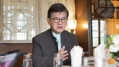 """专访""""上海姑爷""""罗康瑞:我为何1985年就敢来上海投资?""""新天地""""名字斟酌了很久"""
