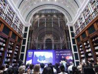 """中外作家登上上海国际文学周主论坛,他们把""""家园""""带到了黄浦江边"""