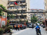 """一年了,上海这些基层干部每天在外""""游荡"""",没有办公室工作效率更高?"""