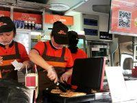 上海大居居民买热气腾腾的早餐也不难了……